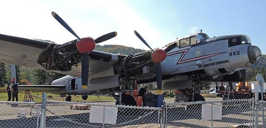 Lancaster KB882